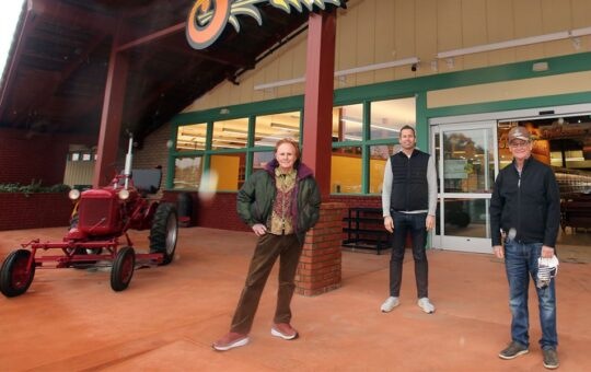 Staff of Life Natural Foods Brings Organic Food Selection to Watsonville