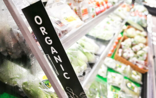 Organic food sales hit record high in 2020 | 2021-05-25